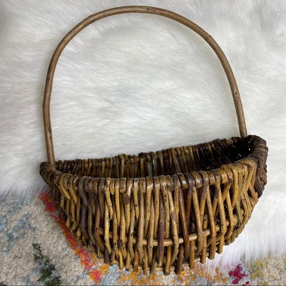 Vintage Hanging Wicker Basket Door Wall Art Wreath